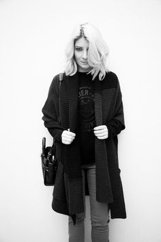 Maxi knitted jacket & militar touch