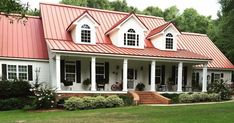 Tin roof house, metal roof houses, red houses, house with metal roof, metal Metal Roofs Farmhouse, Farmhouse Exterior Colors, Country Farmhouse Decor, Exterior House Colors, Farmhouse Style, Exterior Paint, French Farmhouse, Farmhouse Ideas, Country Style
