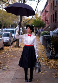 Marry Poppins Halloween Costume. Oh I want this!!!