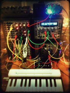 Mini-Modular      #electronicmusic #synthesizer #instruments #electroacoustic #sound #synthesis