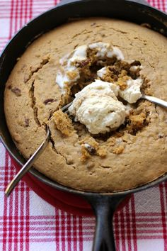One-Skillet Gooey Pumpkin Cookie Cake