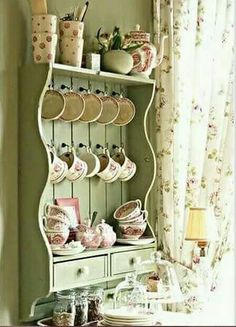 20 Shabby Chic Kitchen decor ideas for 2019 - Hike n Dip Planing to remodel your kitchen? Here is the best DIY DIY Shabby Chic Kitchen decor ideas for These Kitchen decor ideas are cute, soft and awesome. Shabby Chic Mode, Cocina Shabby Chic, Muebles Shabby Chic, Shabby Chic Kitchen Decor, Shabby Chic Cottage, Shabby Chic Style, Shabby Chic Furniture, Vintage Kitchen Decor, Distressed Furniture