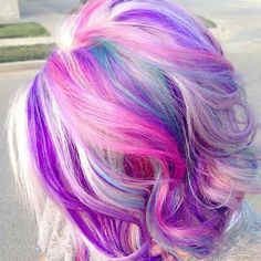 Too cute unicorn hair! I totally want to do this with my hair