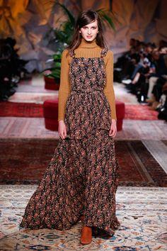 #fashion #fall #dresses #flowers #pattern #styling #runway