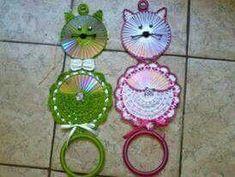 Lindos e diferentes porta pano de prato em crochê Cd Crafts, Towel Crafts, Fish Crafts, Diy Craft Projects, Diy And Crafts, Crochet Owls, Crochet Crafts, Crochet Projects, Crochet Patterns