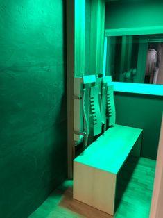Infrarotkabine mit Tiefenwärme und ergonomischen Rückenlehnen, Einbau   By Gurtner Wellness GmbH