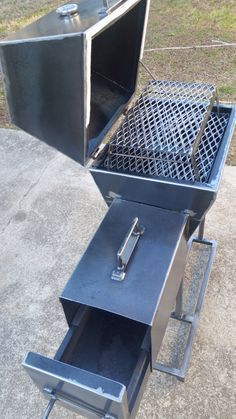 Little smoker for a local couple. Ha,ndmade by Metal Fred Barbecue Smoker, Bbq Grill, Fire Cooking, Outdoor Cooking, Best Charcoal Grill, Homemade Smoker, Outdoor Stove, Smoke Grill, Rocket Stoves