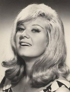 Neriman Köksal T Movie, 1960s Hair, Celebs, Celebrities, Music Artists, Old Photos, Movie Stars, Famous People, Actors & Actresses