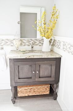 Cottage Powder Room Makeover | A dark and dated bathroom gets a fresh and clean…