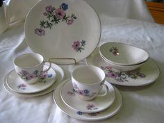 Johnson Bros Peony 10 pc Dinner set for 2 All pieces in very good used condition, note -some have wear to the silver gilt. $60 +pp to Australia only.