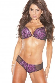 Interview with Amazing Fitness Model/Figure Competitor Sophie Haddad