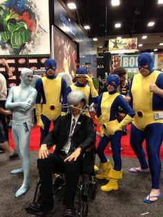 26 Comic-Con Cosplayers Who Went The Extra Mile<---Honestly isn't this the norm at comic con Comic Con Costumes, Cool Costumes, Cosplay Costumes, Creative Costumes, Costume Ideas, Comic Book Characters, Comic Character, Comic Books, Marvel Cosplay
