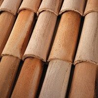 We understand how important it is to find the right roofing materials that make your inspiration a reality. Cute Garden Ideas, Wattle And Daub, Clay Roof Tiles, Roof Edge, Bamboo Design, Roofing Materials, Tuscan Style, Logs, Bamboo Ideas