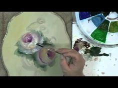 Learning to paint 2 beautiful white roses using this fun and fast decorative painting technique. Watch David Jansen paint these roses in less than 1 hour.
