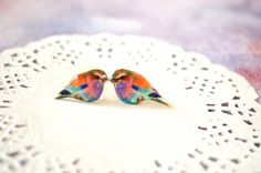 colorful bird earrings , nature studs , nature jewelry , colorful bird jewelry , bird lover gift , earrings for teen , earrings for tween , colorful posts , colorful gift for her , colorful bird accessory Choose any 3 items from my shop and receive the 4th one FREE! The lowest priced item of the four items is free (do not purchase 4th item, otherwise you will be charged for it) **Please include in the notes which 4th you would like** ▲ Bird stud earrings. Studs are topped with picture and…