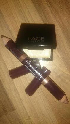 Today I discovered @FACEStockholm dignity highlighter & @wildaboutbeauty Charlie eyeshadow duo make a fab brow combo. Shop your brow combo here: http://www.myshowcase.com/shop?stylist=19614
