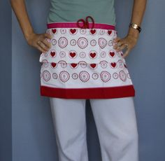 making an apron from dish towels | Dollar Store Crafts » Blog Archive » Make an Apron from a Tea Towel