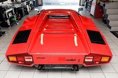 Crazy car crazy perspective - Lamborghini Countach S [2400x1600][OC]