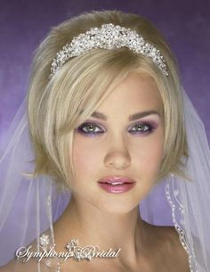 NEW!! STUNNING Swarovski Crystal and pearl bridal tiara - SALE!!