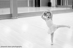 Little Ballerina!! <3 I don't even know what to say about this! SHE IS SOOO CUTE!!!