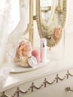 Jill Stuart Fall Winter 2013 Base Makeup Collection – Info & Photos – Beauty Trends and Latest Makeup Collections - . Boudoir, Good Morning Ladies, Latest Makeup, Cute Makeup, Pretty Makeup, Macaron, Makeup Collection, Beauty Trends, Eyeshadow Makeup