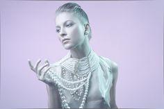 Coordinación de moda: Sar Torres Foto:Jorn Vargas Modelo: Wlada Accesorios: MJ Accesorios Moda: Viejo Amor M.U.A & Hair: @image_spa https://www.facebook.com/SarTorres?fref=photo #beauty #joyas #collares #jewellry #belleza #makeup #stylist #moda #fashion #night #frozen #invierno #winter #vestidosdenoche  #dress #pearls