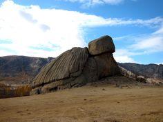 Gorkhi-Terekj National Park, Province de Töv, Mongolie#Entre montagnes et steppes, la rivière Tuul ; ruines, parcs nationaux et diversité des cultures, qui font de cette région un bel échantillon de la Mongolie.#http://urlz.fr/3m6d#impressivemagazine.com