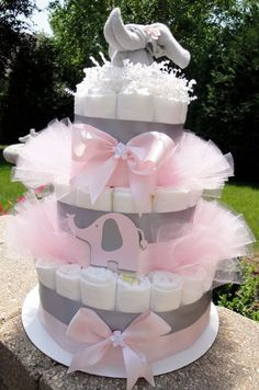 Trendy Ideas For Baby Shower Ideas Elephant Theme Girls Diaper Cakes babyshower baby 372180356706275475 Deco Baby Shower, Fiesta Baby Shower, Shower Bebe, Baby Shower Diapers, Girl Shower, Baby Shower Cakes, Baby Shower Parties, Baby Shower Gifts, Baby Gifts