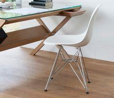 (Essência Móveis) Cadeira Eames Cores - R$ 189,00 + 5% de desconto