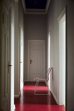 Panton One in the colour Candy Floss. Simple but beautiful hallway decoration. #montanafurniture #interior #furniture #danish #design #panton #vernerpanton #pantonone