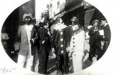 O Rio de Janeiro de Antigamente: Janeiro 2011 Fantasias de mascarados. 1915. Foto de Augusto Malta