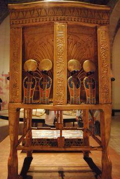 The back of Tutankamun's golden throne. 18th dynasty, egypt. Cairo Egyptian…