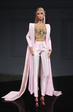 Pink Jumpsuit for fashion royalty Poppy Parker Silkstone Dress Up Dolls, Barbie Dress, Barbie Clothes, Fashion Royalty Dolls, Fashion Dolls, Fashion Dresses, Barbie Mode, Hi Fashion, Pink Jumpsuit