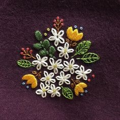 Wonderful Ribbon Embroidery Flowers by Hand Ideas. Enchanting Ribbon Embroidery Flowers by Hand Ideas. Embroidery Needles, Silk Ribbon Embroidery, Crewel Embroidery, Embroidery Hoop Art, Hand Embroidery Patterns, Learn Embroidery, Cross Stitch Embroidery, Embroidery Tattoo, Machine Embroidery
