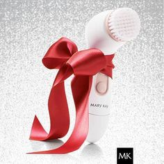 Skinvigorate Brush, the perfect gift - slough off all those dead skin cells and let your new skin shine thru! http://www.marykay.com/rthiede