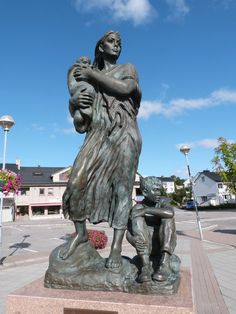 The monument to the mothers of Kirkenes