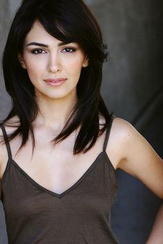 Nazanin Boniadi, stunning brunette