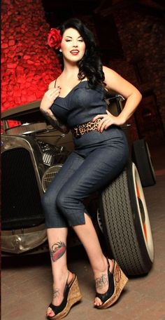 Plus size rockabilly clothing has emerged as a loved and highly sought after style in recent times. Rockabilly clothing is all about style derived from. inspiration vintage curvy I Love Pin-ups: Photo Rockabilly Outfits, Rockabilly Fashion, Retro Fashion, Vintage Fashion, Rockabilly Clothing, Pin Up Vintage, Look Vintage, Vintage Models, Plus Size Rockabilly