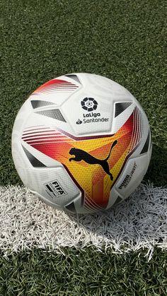 Balón puma la liga 2021 2022 #footballs #españa @futbolmania Football Soccer, Soccer Ball, Soccer Skills, Puma, Under Armour, Nike, European Football, European Soccer, Soccer
