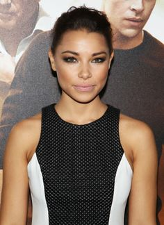 Photo of Jessica Parker Kennedy - Los Angeles Premiere of Jack Ryan: Shadow Recruit - Red Carpet Arrivals - Picture Browse more than pictures of celebrity and movie on AceShowbiz. Jack Ryan Shadow Recruit, Jessica Parker Kennedy, Actors & Actresses, Black Actresses, Black Sails, The Flash, Celebrity Pictures, American Actress, Gorgeous Women