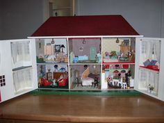 Triang 55 - Dolls' Houses Past & Present