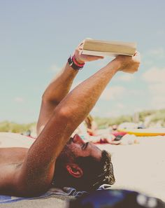 The love of #reading www.digiwriting.com ♥ Beach  book.