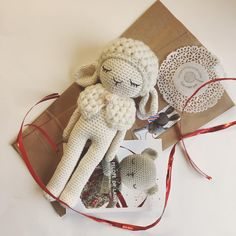 Mama sheep is ready to leave... 😍 To buy click on link in bio #babyshowergift #crochet  #crochetlove  #crochetaddict #crochetart  #handmade #handicraft #amigurumi  #handmadetoys #unepelotedelaine #madeinfrance #etsygifts #etsycompetition #etsy_competition #madebyme #crochetlamb #etsyshopowner #Photoprop #etsygifts #etsysuccess #etsyseller #photographer #etsycraftyfever  #etsyresolution #thebestetsyfinds #babygift #babyshower#frenchtouch #babyshowergift #crochetsheep#amigurumilicious
