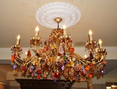 Google Image Result for http://www.thequirkytraveller.com/wp-content/uploads/Ventian-Glass-chandelier-640x490.jpg