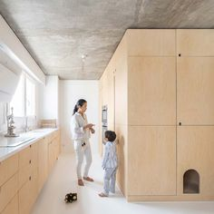 Located in Paris, arrondissement, this modern apartment offers unobstructed views of the city. Sacha is a modern apartment for a young Parisian family, designed as a result of the combination of Green Apartment, Duplex Apartment, Apartment Interior, Apartment Design, Apartment Layout, Apartment Living, Kitchen Interior, Apartment Therapy, Closet Minimalista