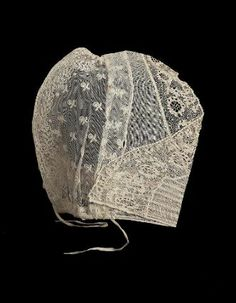 19th century, the Netherlands - Woman's cap - Linen bobbin lace and linen net embroidered with cotton and linen tape