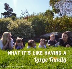 """What It's REALLY Like Having A Large Family!"" From a Mama of twins & two other little ones, she leads a VERY busy life! Parenting Advice, Natural Parenting, Family Units, Read Later, Busy Life, Big Family, Craft Activities For Kids, Finding Joy, What Is Like"