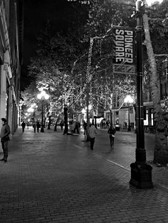 First Thursday Art Walk, Pioneer Square