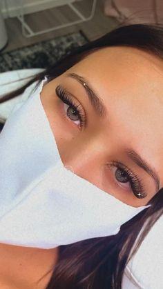 Natural Fake Eyelashes, Perfect Eyelashes, Best Lashes, Eyelash Extensions Classic, Best Lash Extensions, Semi Permanent Lashes, Feather Eyelashes, Eyelash Technician, Face Aesthetic