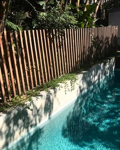 Pin by Will Blott on Garden ideas in 2019 Fence Around Pool, Above Ground Pool Decks, Pool Fence, In Ground Pools, Swimming Pools Backyard, Backyard Landscaping, Pool Deck Decorations, Raised Pools, Timber Battens